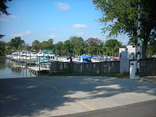 Columbia Island Marina--Potomac River Guide